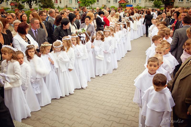 747c2a6996 Małgosia przyjęła dziś pierwszą komunie świętą…. « Elżbieta Oracz ...